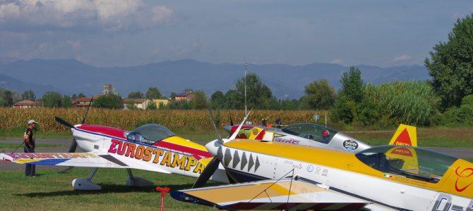 I vincitori del campionato italiano di acrobazia aerea a motore